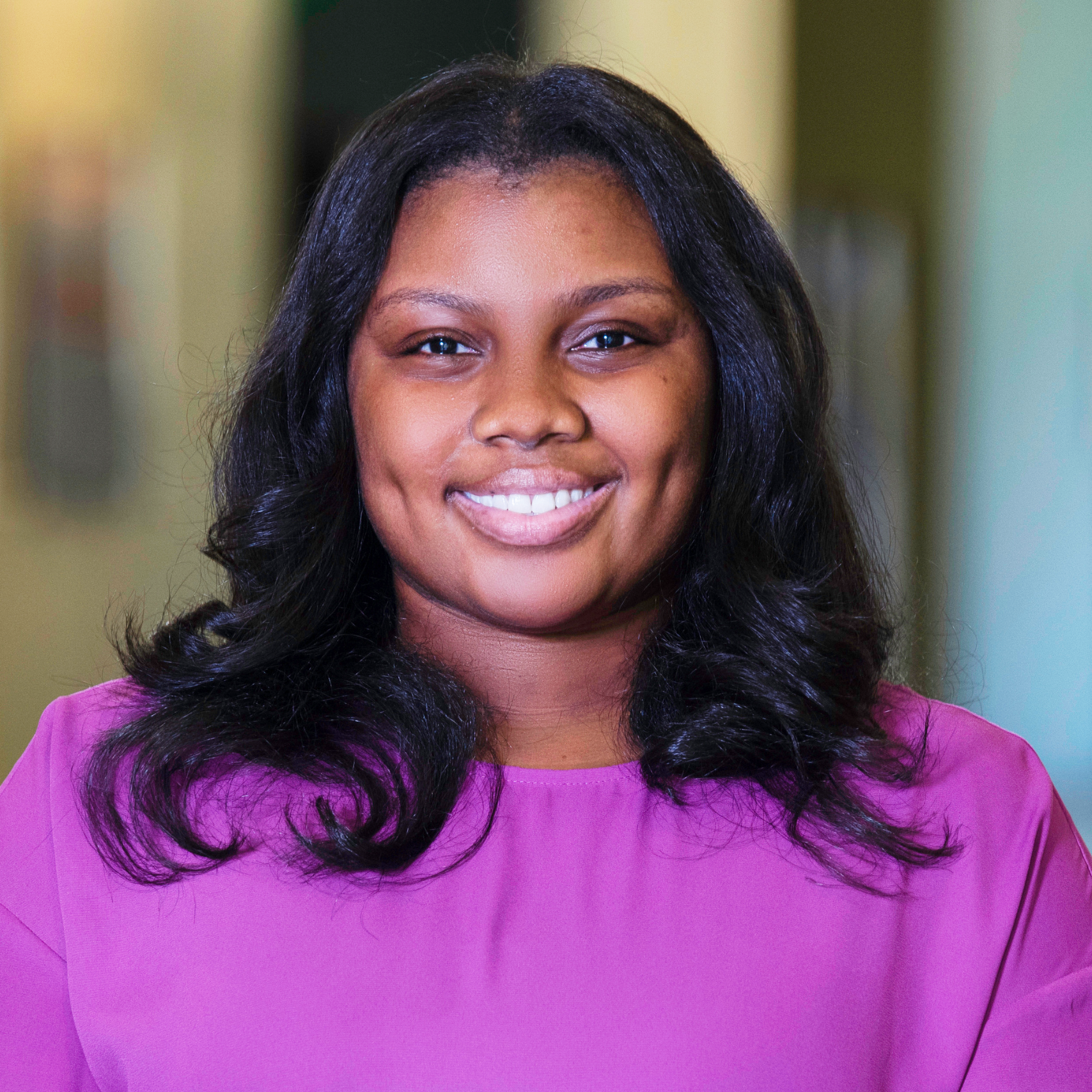 Taylor Simmons : Marketing & Communications Manager