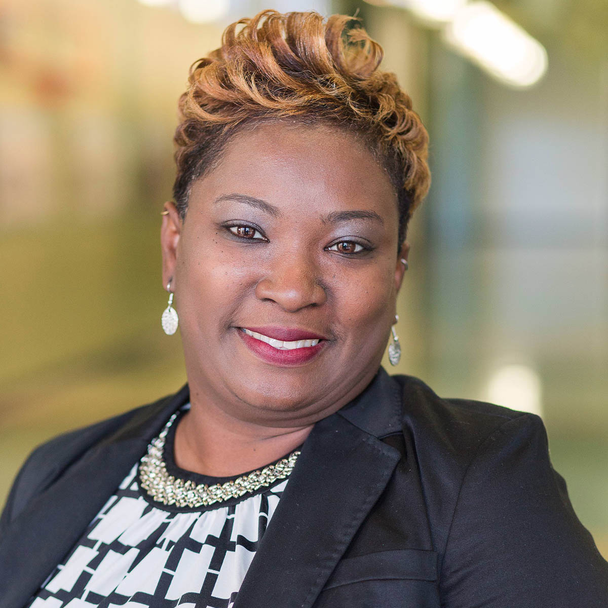 Sharetha Wright :  Assistant Director of Operations and Student Services - Newport News